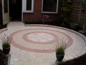 stenen cirkels met legpatroon